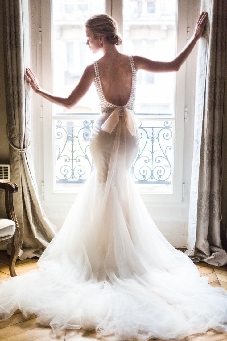 Description Dreamy Parisian Wedding Gown